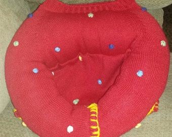Repurposed Sweater XS Bed for Dogs Cats Rats or other pets too Sweater  Bed #27