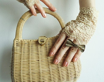 SaSsy StRAW Vtg Faux Straw Bag in Pale Yellow with Leather Detail and Golden Closure for a True Vintage Lover