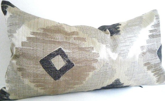 black and gold pillow lumbar pillow decorative pillows gold. Black Bedroom Furniture Sets. Home Design Ideas