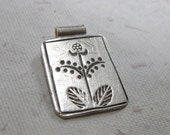 Hill Tribe Silver Decorative Flower Pendant
