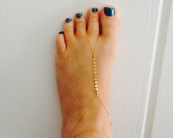 Gold barefoot sandal, foot jewelry, beach wedding barefoot sandal, anklet bracelet, body jewelry, foot chain, body chain, gold or silver