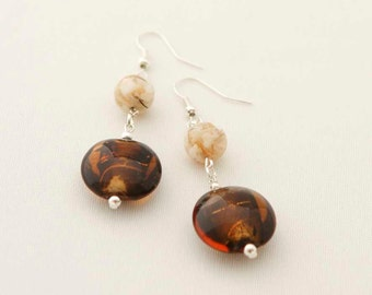 Brown glass beads and beige mother of pearls earrings