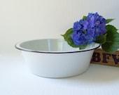 """Vintage White Enamelware Bowl 10"""" Enameled Farmhouse Kitchen Bowl with Black Enamel Rim Cottage Chic Style"""