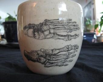 Skeletal feet mug