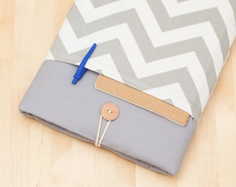 Macbook 13 inch case / Macbook pro 13 case / Macbook air 13 cover /  Laptop sleeve / padded with pockets  - chevron in grey -