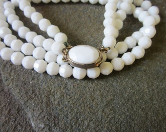 1960s Necklace. Double Strand White 60s Necklace