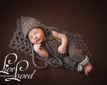 Download PDF crochet pattern s013 - Newborn pixie bonnet and overall