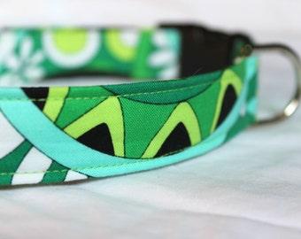 Retro Swirls Collar