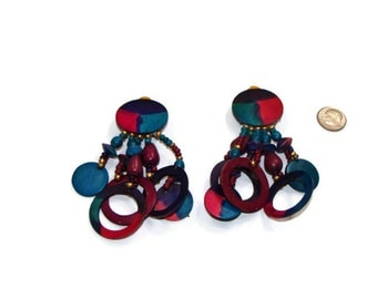 Chandelier clip on earing muti colors in very good condition