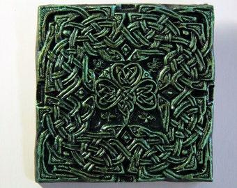 Irish Gift Celtic Knot Green Clover Decorative Tile, Irish Garden Art Stone Sculpture, Shamrock Wall Plaque