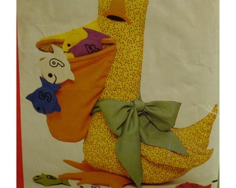 """Pelican Counting Toy Pattern, Teaching Toy, Fish, Numbers, Colors, Zippered Pouch, Vintage, Butterick No. 227 UNCUT Size: 24""""(61cm)"""