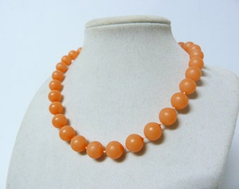 Vintage Peach 1960s Beaded Necklace Mad Men Pin Up Style