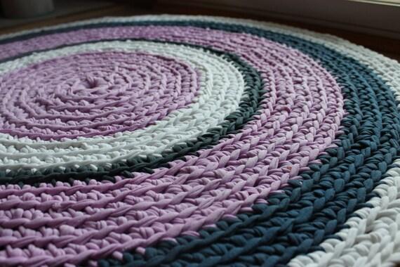runder teppich recycelt lila grau und wei flickenteppich t. Black Bedroom Furniture Sets. Home Design Ideas