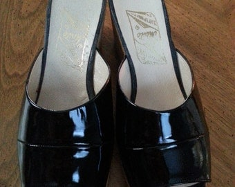 Vintage Greek Patent Leather Cork Wedge Mules Shoes Size 8 or 9 Chunky Heels 1960s Ladies Greece