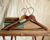Vintage wooden hangers - New York & Paris - reconstitutions