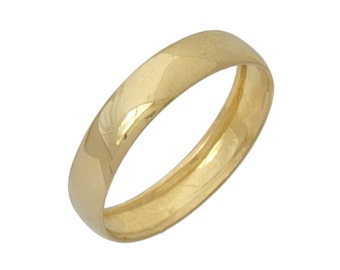 Traditional Polished Solid Wedding Band in Yellow Gold