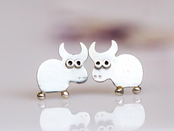 OX Stud Earrings Sterling Silver Mini Zoo series