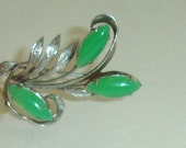 Vintage Chinese 10K White Gold Floral Pin Brooch w Apple Green Imperial Jade Cabs