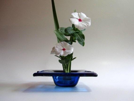 MINI IKEBANA - Fused Glass Vase -  Ikebana Vase in Shades of Blue - Flower Vase