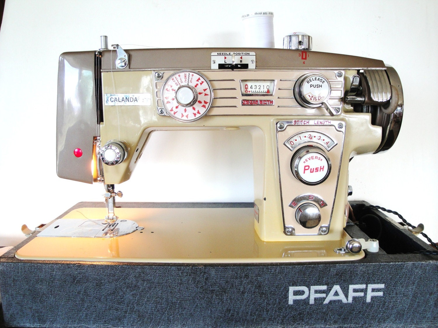 Vintage Pfaff Sewing Machine Calanda Zig Zag