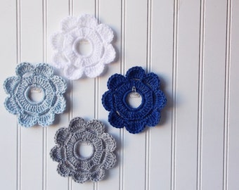 Decorative Crochet Mini Wreath Wall Hangings & Picture Frames   Home and Dorm Decor  Winter wedding ~ Winter Frost
