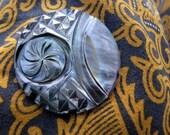 Bali Textures 32mm Shell Cabochon