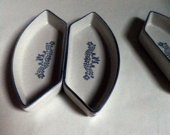 set of 2 (or 4) Pfaltzgraff Ceramic relish / olive dishes, off white and Blue