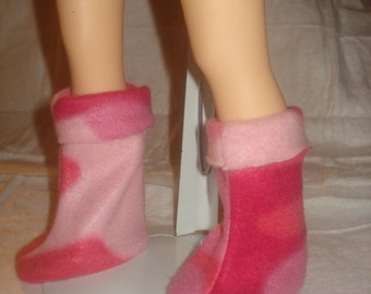 Pink Camoflage Fleece boots for 18 inch Dolls - ag217