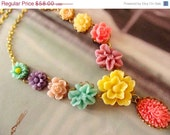 CLOSE OUT SALE Cheerful Flower Necklace