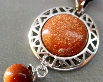 Vintage Style Goldstone Glidstone Frame Alloy Metal Pendant 26mm x 17mm  T0773