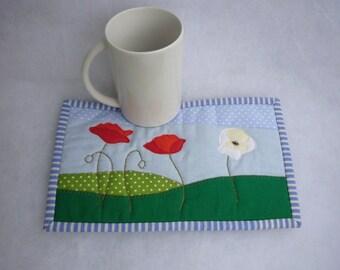 White Poppy  mug rug pattern, Appliqued poppies fields INSTANT DOWNLOAD PDF