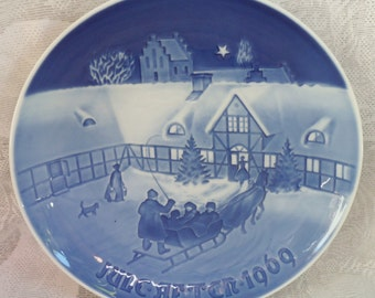 1969 BING & GRONDAHL Arrival of Christmas Guests PLATE Denmark
