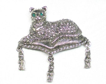 Vintage Avon 1993 Regal Cat Marcasite Pin With Tassels & Emerald Green Eyes
