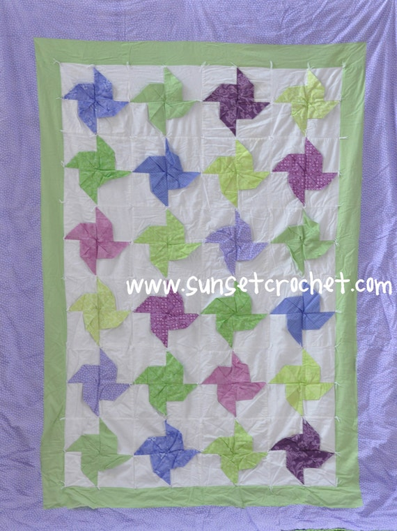 Items similar to 3D Pinwheels Twin-Size Quilt Pattern - charm pack and fat quarter friendly (302 ...
