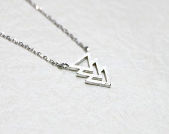 Three Triangle Arrow Necklace - S2332-1
