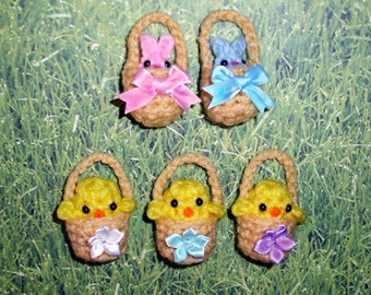8 Tiny Custom Easter Baskets with Bunny or Chick Mini Crochet Plushie - Choose bow or flower - Quantity of 8