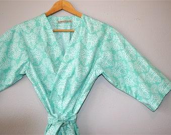 READY to SHIP MEDIUM Kimono Robe. Robe. Dressing Gown. Maternity Robe. Spa Robe. Sonoma Farm House Collection. Bahama Waters.  Knee Length.