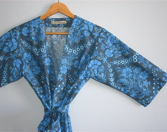 Navy Blue Bridesmaids Robe. Navy Blue Kimono Robe. Dressing Gown. Bathrobe. Navy Floral.  Knee and Mid Calf Length. Small thru 2XL.