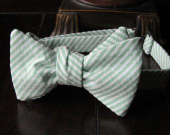 Seersucker Mint Bow tie, Mens Bow tie, Freestyle Mens Bow tie, Wedding Bow ties