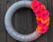 Bright and Merry Wreath. Felt and Yarn Wreath. Summer Wreath.  Pink & orange Felt  Flowers.(W43)