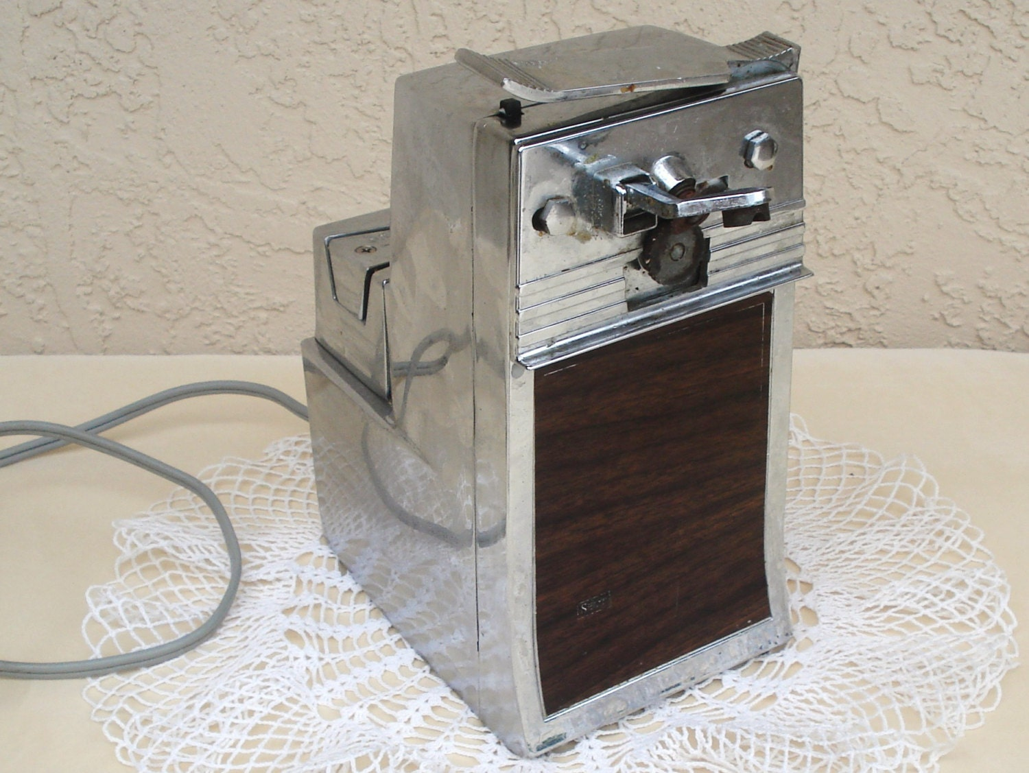 Portable Electric Can Openers : Vintage sears kenmore electric can opener knife sharpener
