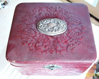1800s PATCH BOX COMPAct Embossed Leather Box Gorgeous Art Nouveau Lady Flowers Lions Burgundy