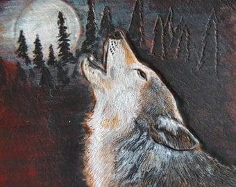 Wolf design on Men's handcarved leather wallet