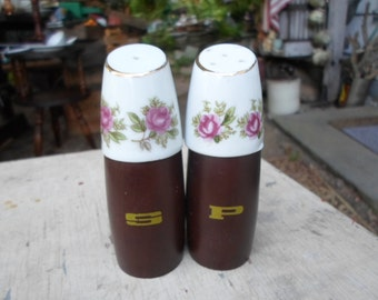 Vintage Nevco Wood/Porcelain Pink Roses Salt and Pepper Shakers 1950s to 1960s