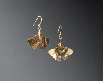 brass dangle ginkgo leaf earrings (MX-11001-003)