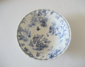 SALE - Vintage Queen's Chelsea Toile Blue Serving Bowl