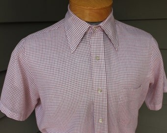 vintage 60's - 70's -Bamberger's- Men's short sleeve shirt.  Big collar - Red tattersall - THiN. Medium 15 1/2