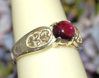 Garnet Ring, Size 7, Clear Wine Red, Sterling Silver, January Birthstone, Rhodolite Garnet, Garnet Cabochon, Round Garnet, Red Garnet