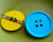Set of 2 Button Pins / Brooches