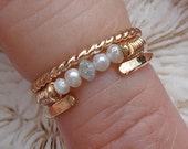 14KY Gold 3-Ring Stack w/ Diamond & Pearl